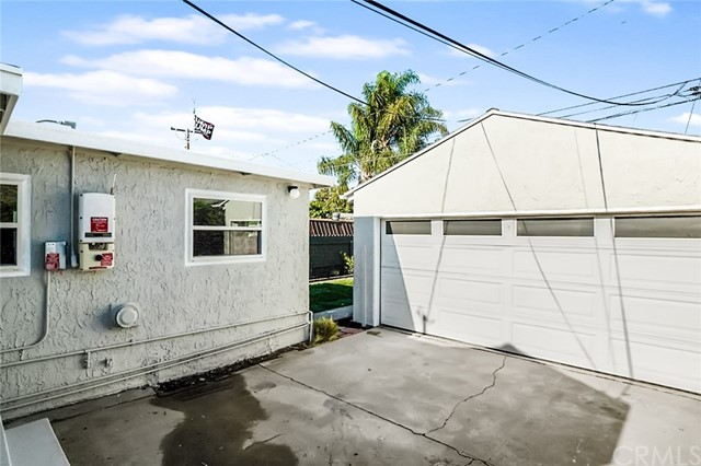 5442 Lemon Avenue, Long Beach CA: http://media.crmls.org/medias/2ab12e30-3209-4435-85db-cd0390a113bb.jpg