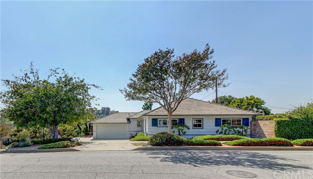 Detail Gallery Image 1 of 1 For 3301 Warwick Rd, Alhambra, CA 91803 - 3 Beds | 1 Baths