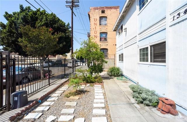 1340 S Union Avenue, Los Angeles CA: http://media.crmls.org/medias/2acc17ea-63c6-441a-bea7-88d7f7fcc323.jpg