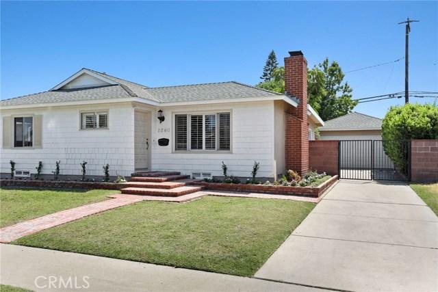 2260 San Vicente Avenue, Long Beach CA: http://media.crmls.org/medias/2adc35e2-e669-47e8-82fb-d700eb7e6a13.jpg