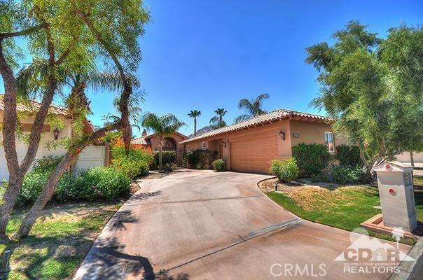 Photo of home for sale at 48185 Via Solana, La Quinta CA