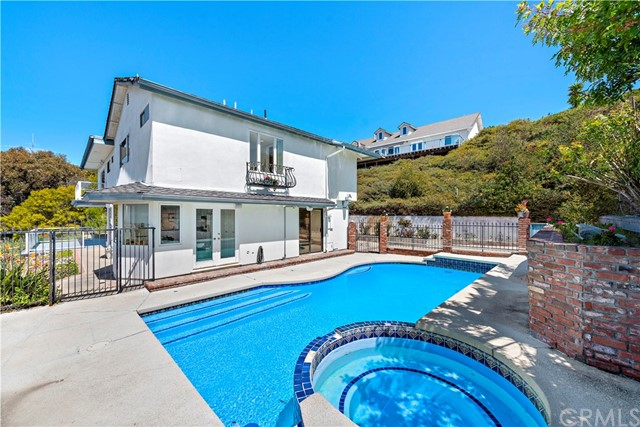 Photo of 3091 Cresta Way, Laguna Beach, CA 92651