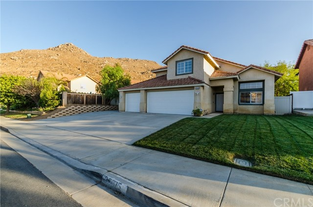 28615 Forest Oaks Way, Moreno Valley CA 92555