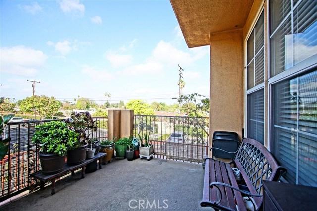 300 W Summerfield Cr, Anaheim, CA 92802 Photo 5