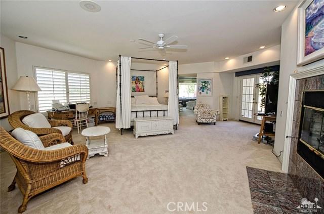 48870 View Drive, Palm Desert CA: http://media.crmls.org/medias/2aef0b10-a063-4972-80d4-4379bfa3daa3.jpg