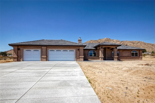 24068 Cuyama Road, Apple Valley, CA, 92307