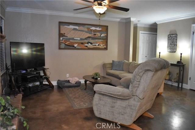 2655 Whittier Avenue, Clovis CA: http://media.crmls.org/medias/2b011afc-92dd-46f3-9f59-c62db3d6927a.jpg