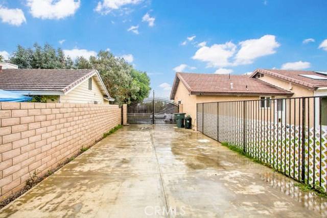 100 W Citron Street, Corona CA: http://media.crmls.org/medias/2b1515e3-9a7f-42c2-afce-b6d6c1f721f9.jpg