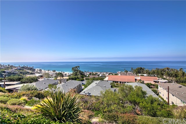 21722 Ocean Vista Drive C , CA 92651 is listed for sale as MLS Listing OC18037604