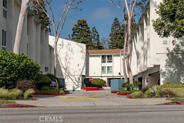 902 Camino Real, Redondo Beach CA: http://media.crmls.org/medias/2b24894d-7209-414e-a875-efc4f651b67f.jpg