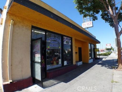3288 Tweedy Boulevard, South Gate CA: http://media.crmls.org/medias/2b2b173b-1d03-400d-8894-47288ae27da0.jpg