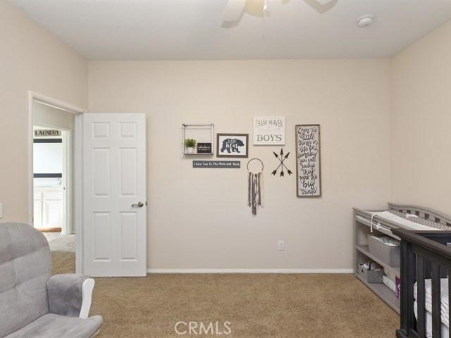 10169 Woodbridge Lane, Riverside CA: http://media.crmls.org/medias/2b30a661-d9ec-4580-baa1-bfff4cd0a1c8.jpg