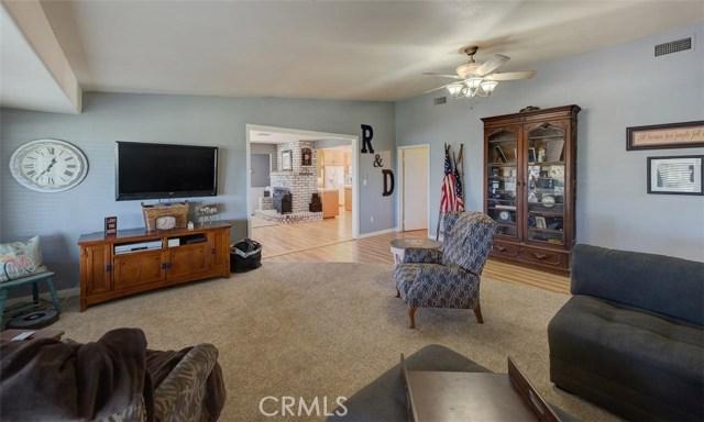 33385 Oak Glen Road, Yucaipa CA: http://media.crmls.org/medias/2b3815fb-00f8-4f69-bac3-1d2af36b7d11.jpg