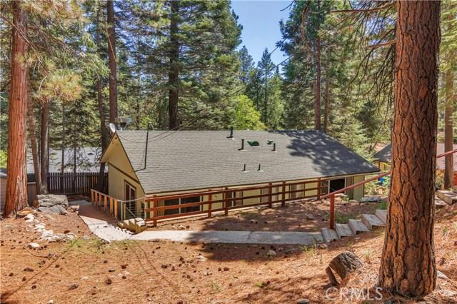 26574 Lake Forest Drive, Twin Peaks CA: http://media.crmls.org/medias/2b461904-ee4b-4c73-9ff3-d17be956742c.jpg