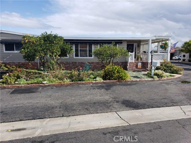 19361 Brookhurst Street, Huntington Beach CA: http://media.crmls.org/medias/2b47b840-a6a3-4185-82ff-710fe513c9e8.jpg