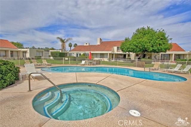 34868 Mission Hills Drive, Rancho Mirage CA: http://media.crmls.org/medias/2b47cd23-ff86-4445-895a-518cc8bbd435.jpg