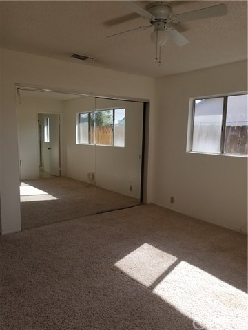21236 Minnetonka Road, Apple Valley CA: http://media.crmls.org/medias/2b48a272-0a75-47f5-95fc-bfd98ccd0207.jpg
