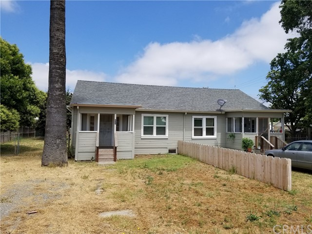523 E Wood Street, Willows CA: http://media.crmls.org/medias/2b53c48d-bd83-49a3-acec-fe10e03bcc17.jpg