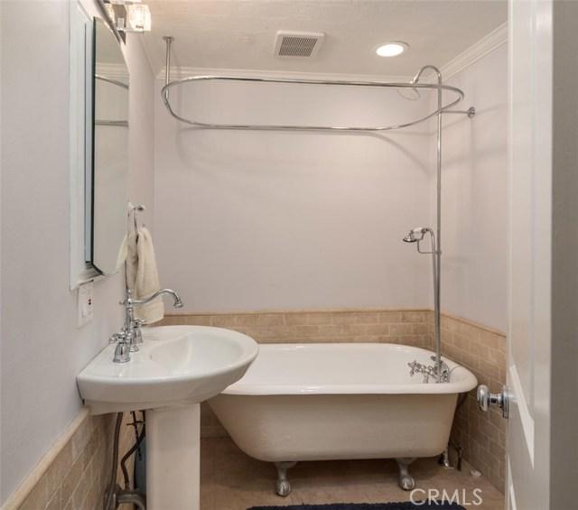 811 Virginia Street, El Segundo CA: http://media.crmls.org/medias/2b53da3b-9836-4a50-aba1-c8ab7e55491b.jpg