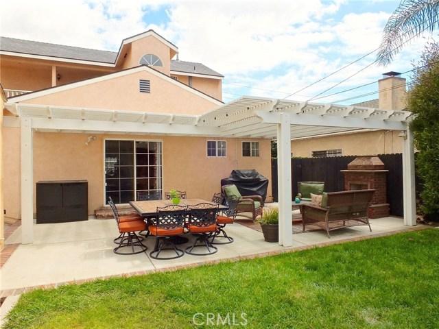 5943 Eastbrook Avenue, Lakewood CA: http://media.crmls.org/medias/2b60488d-56f1-4c2d-9ed2-81e0c89ae7ef.jpg