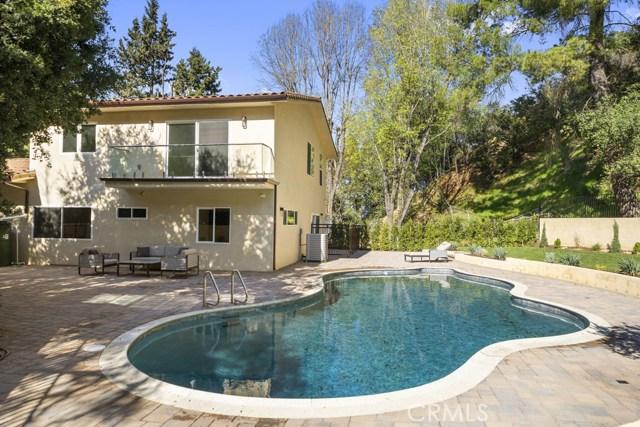 14811 Jadestone Drive, Sherman Oaks CA: http://media.crmls.org/medias/2b65b793-ed14-4eae-9544-c6c8e7dc3b78.jpg