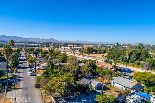1178 Barton Street, San Bernardino CA: http://media.crmls.org/medias/2b82c572-ba3c-48c6-898a-d4849748bd7f.jpg