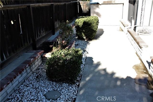 5980 Kitty Hawk Drive, Riverside CA: http://media.crmls.org/medias/2b85fc77-585b-48b9-a5e0-a4b4ce4642ce.jpg