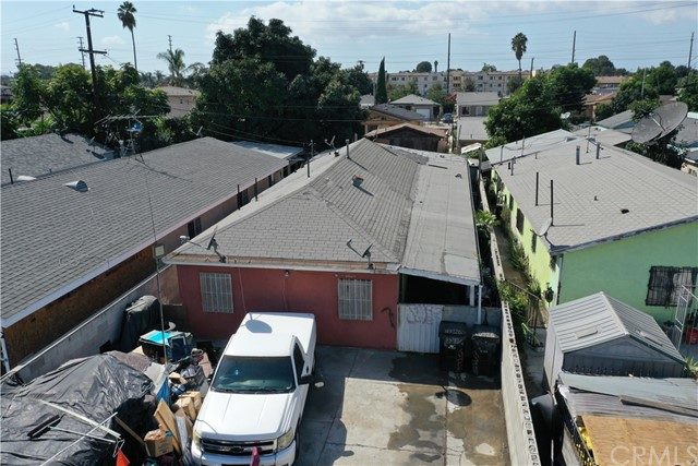 15725 S Frailey Avenue, Compton CA: http://media.crmls.org/medias/2b87866e-c131-47f1-8f3f-9540f7ccf637.jpg