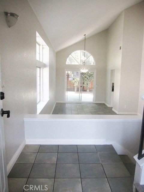 7561 Marmande Place, Rancho Cucamonga CA: http://media.crmls.org/medias/2b88aa09-4e52-454d-a967-485e7a233d80.jpg