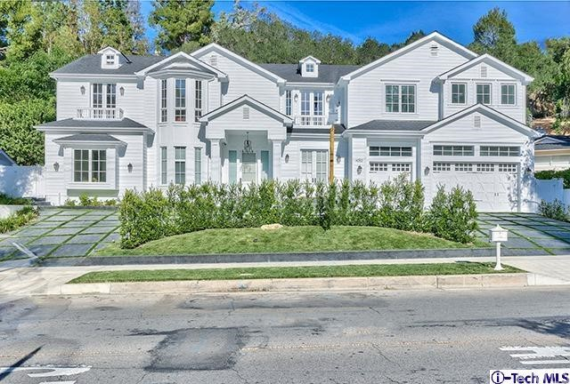 4050 Hayvenhurst Avenue, Encino CA 91436