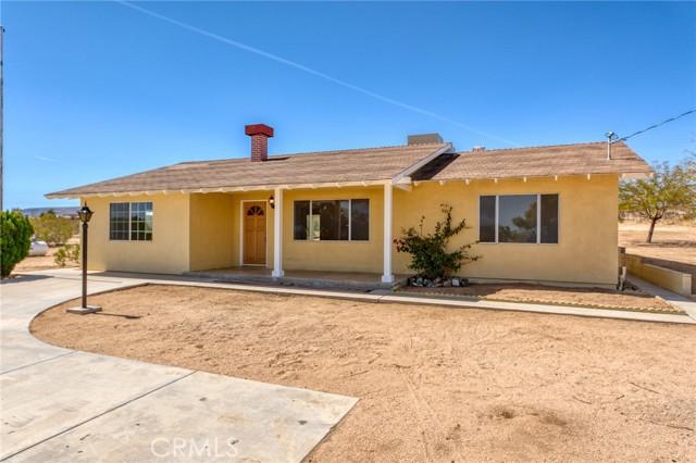 230 Delgada Avenue, Yucca Valley CA: http://media.crmls.org/medias/2b912c30-c36c-4337-8175-95f9d689c639.jpg