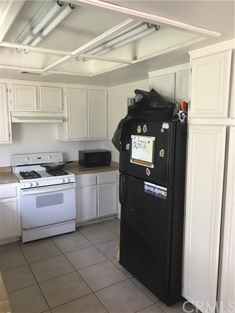 16185 Tawney Ridge Lane Victorville, CA 92394 - MLS #: CV17166227
