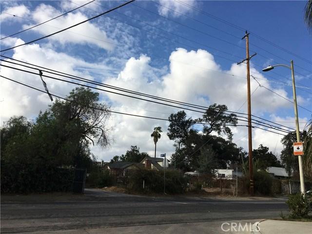 8947 Noble Avenue, North Hills CA: http://media.crmls.org/medias/2b91b988-c1ee-4882-a4d7-e03783c2f16b.jpg