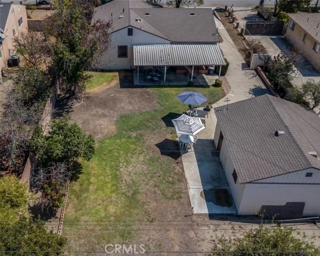 233 S Louise Avenue, Azusa CA: http://media.crmls.org/medias/2b99da86-c82d-46f6-be7a-b0b9edd59cff.jpg