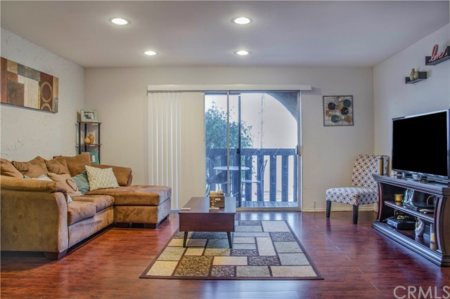 719 N Eucalyptus Avenue, 16A - Inglewood, California