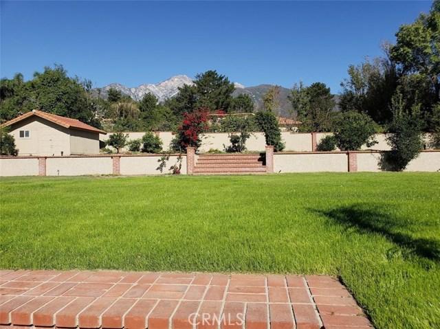 10942 Wilson Avenue, Alta Loma CA: http://media.crmls.org/medias/2ba0bd3f-1325-464c-acef-ca43c391f717.jpg