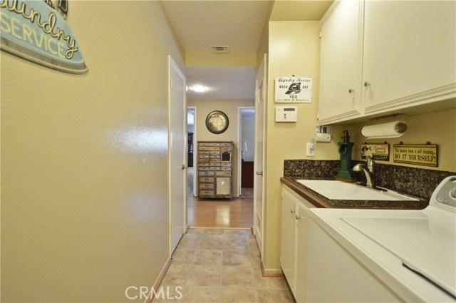 2062 N Palm Avenue, Upland CA: http://media.crmls.org/medias/2ba182db-2739-41e7-aa6e-3ade2b58dc3b.jpg