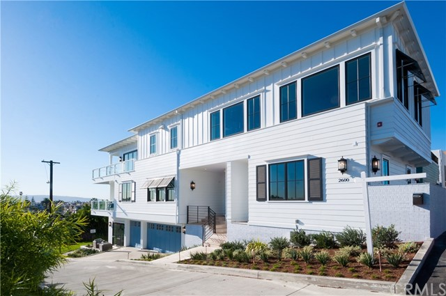 Single Family Home for Sale at 2600 Grandview Avenue Manhattan Beach, California 90266 United States
