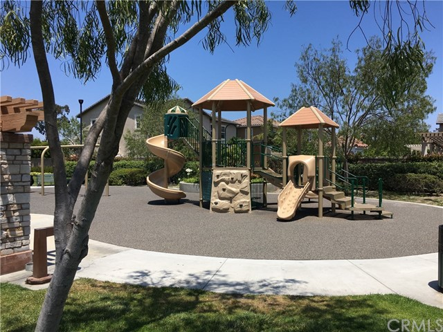 17241 Oak Street, Fountain Valley CA: http://media.crmls.org/medias/2bb87486-fdf9-48ec-a728-b880d1bf3da6.jpg