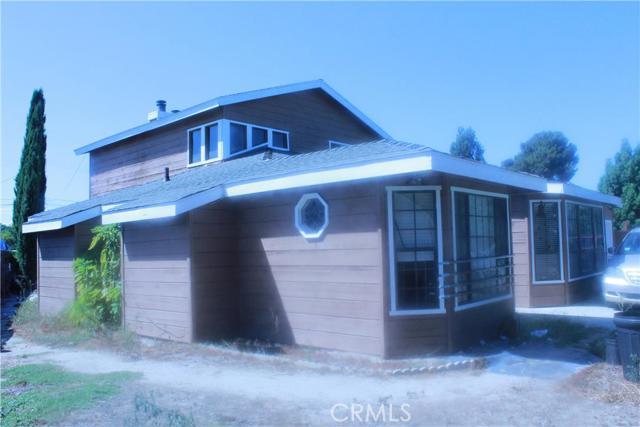 Single Family Home for Sale at 1124 Elliott Place S Santa Ana, California 92704 United States