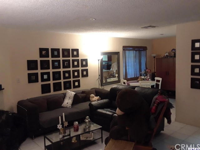 618 N Howard Street, Glendale CA: http://media.crmls.org/medias/2bc97123-9d69-4a30-a50f-3ebdf3c82f25.jpg