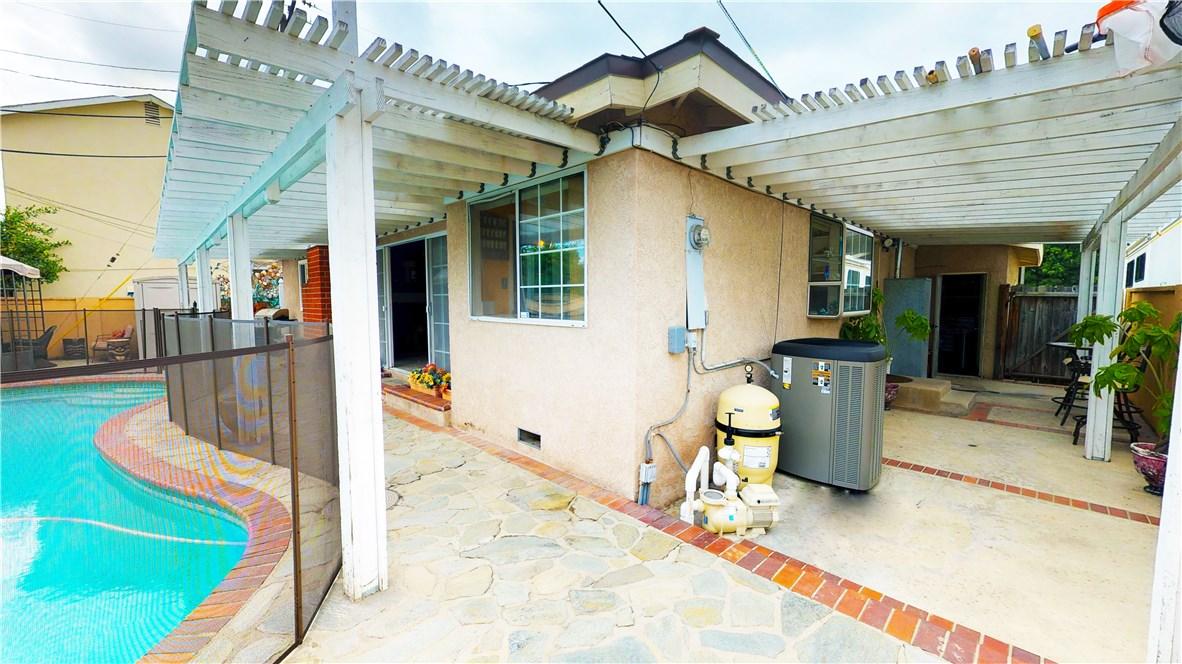 1838 W Chateau Avenue, Anaheim CA: http://media.crmls.org/medias/2bdc1726-1b79-4f63-846f-4d3734338d85.jpg