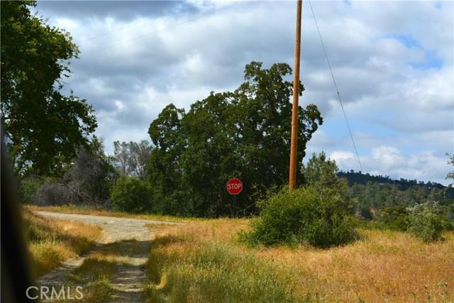 4 Buck Lane, Coarsegold CA: http://media.crmls.org/medias/2c03ffa9-0edc-4e71-915b-f3c35dda5482.jpg