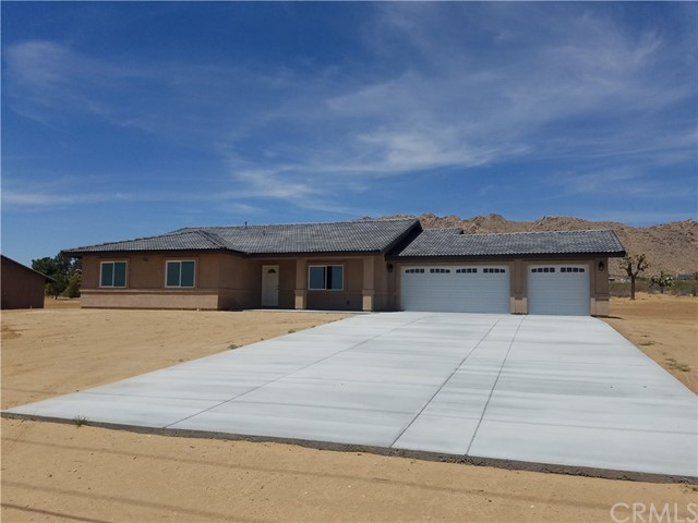 24598 Cahuilla Road,Apple Valley,CA 92307, USA