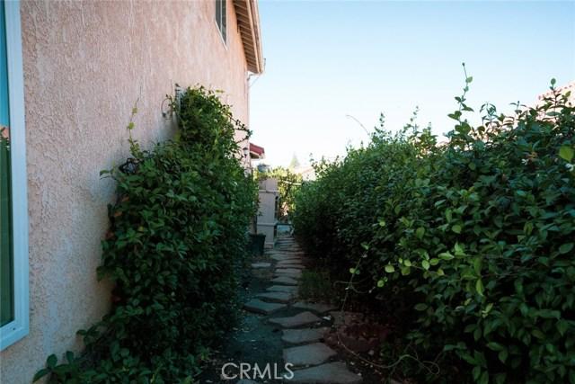 354 Camino De Teodoro, Walnut CA: http://media.crmls.org/medias/2c152010-6964-4a51-80ba-e35c28bcf5d7.jpg