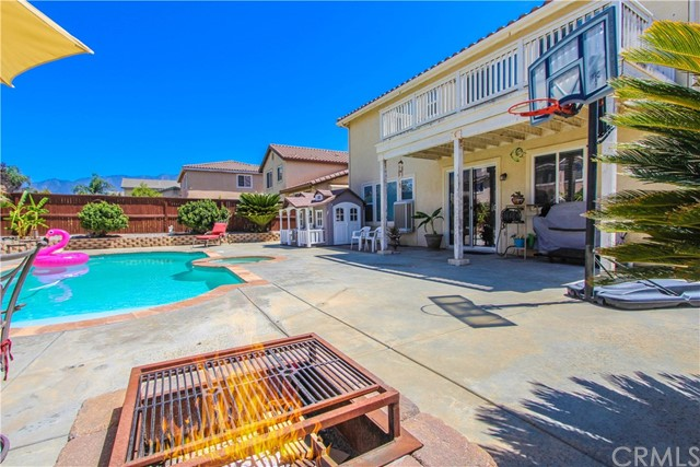 1415 White Cloud Lane, Beaumont CA: http://media.crmls.org/medias/2c17556b-410b-4387-a918-74d8e3b68432.jpg
