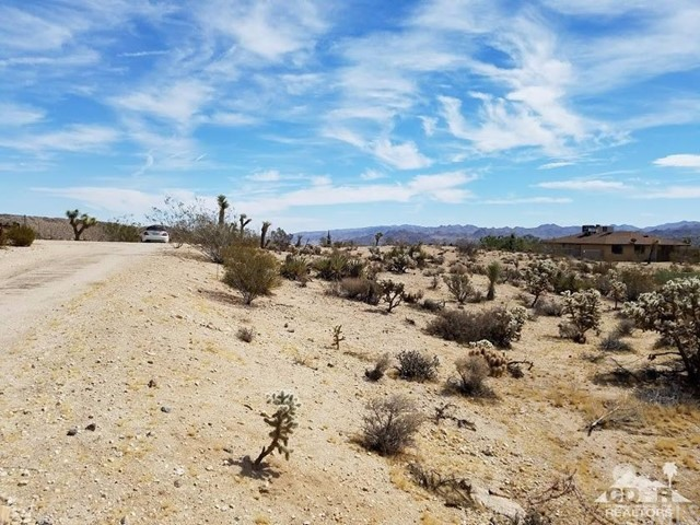 Linda Lee Drive Yucca Valley, CA 92284 - MLS #: 218017094DA