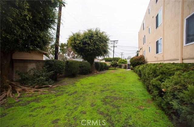 3695 Linden Avenue, Long Beach CA: http://media.crmls.org/medias/2c2531aa-2563-4851-a038-ecd1baa4fc91.jpg