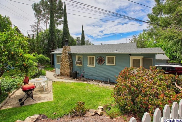 5621 Freeman Avenue La Crescenta, CA 91214 is listed for sale as MLS Listing 317003339