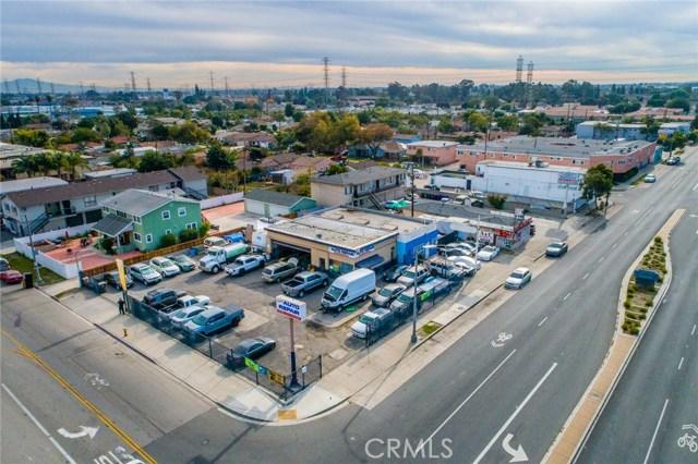 6990 N Paramount Boulevard, Long Beach CA: http://media.crmls.org/medias/2c3cd9da-8f70-465b-b84e-78544a71b766.jpg